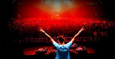 dj-crowd